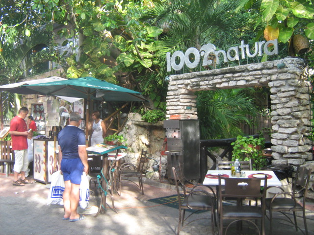 100% Natural, Playa del Carmen, Mexico.