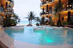 El Taj Hotel in Playa del Carmen