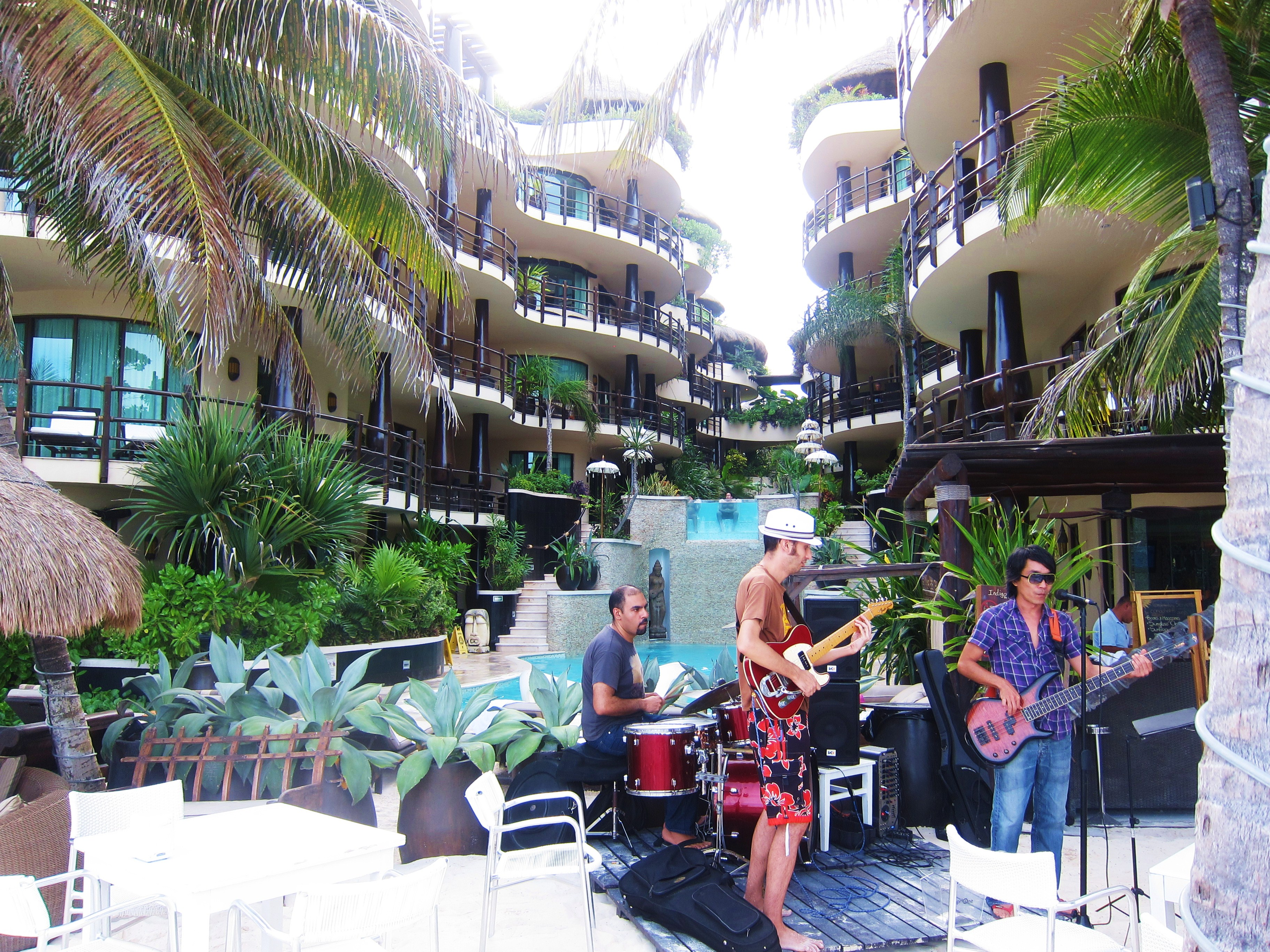 Live band in front of El Taj Oceanfront
