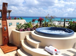 Private rooftop with a Jacuzzi at Condo Hotels Playa del Carmen
