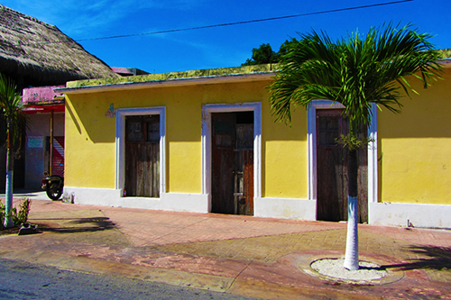 Yellow house in Cozumel