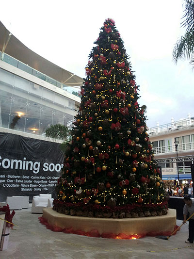Christmas tree in Playa del Carmen - Condo Hotels Playa del Carmen