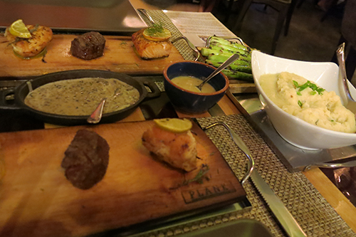 Family style meal - Plank Condo Hotels Playa del Carmen